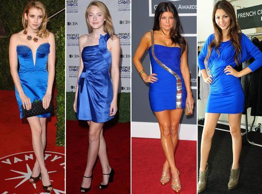 Vestido azul combina com sapato laranja